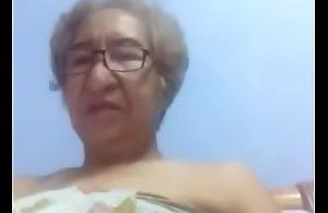 Mi abuela Bañ_añ_dose