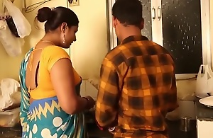 Hawt Aunty Entices junky Young man