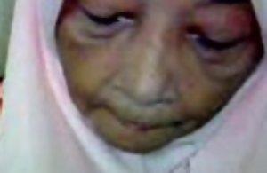 Malaysian granny orall-service copulation