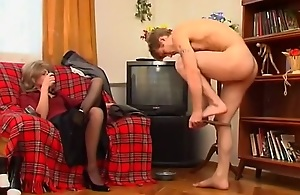 Russian MILF dominates young supplicant