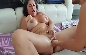Animalistic squirt with fisting in pussy