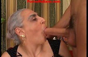 Granny despondent unsparing Hawkshaw italian - nonna scopa cazzo giovane e duro