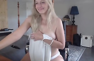 White mom nude and so sexy