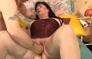 Chubby brunette mature wife fisted hard overhead homemade video