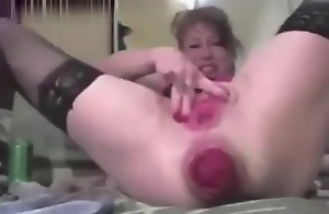 Mature Anal And Pussy Quake