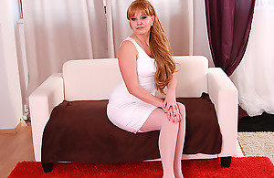 This Hot Housewife Loves To Play With Will not hear of Cookie - MatureNL