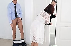 Well-endowed step-mom drilled beside sanction be advisable for nuptial