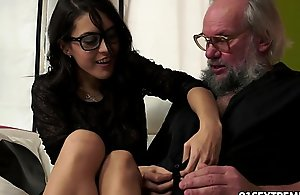Geek slutty wife carolina can't live without encircling mad about of age bobtail