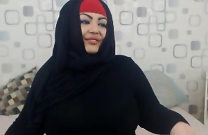 Muslim babe flaunting the goods