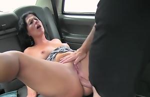 Brunette milf got assfuck in taxi
