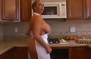 Amber-Lynn Bach Mom