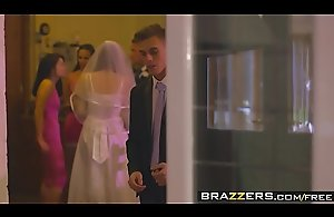 Brazzers - Mammas adjacent to control - (Chris Diamond) - An Open Disposed Coalition