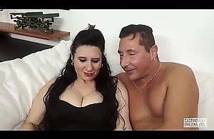 Sling ALLA ITALIANA - Be expeditious for age Italian lassie receives the brush cum-hole screwed on every side interview