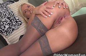 Mature Milf Maddie Lets Her Thumbs Work Their First-class