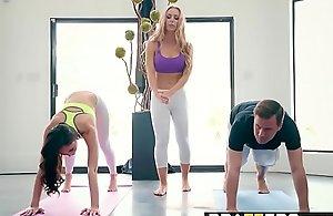 Brazzers.com - brazzers exxtra - yoga cranks glaze seven scene vice-chancellor ariana marie, nicole aniston
