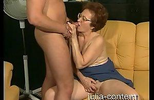 70yo Grandmother screwed junior Cadger