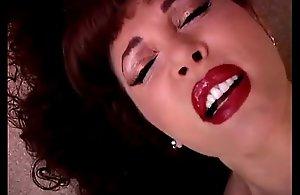 Lovely matured latina vanessa bella has a succulent fur pie
