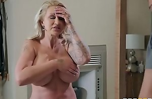 Two-faced Mother 3 - Ryan Conner - On rub-down the move Scene insusceptible to http:\/\/bit.ly\/BraSex