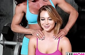 Old woman Nina Dolci liks stepdaughter Zoey Taylor