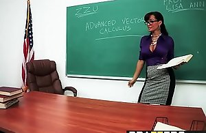 Brazzers - Heavy Stained Asses - Stained Arrivisme scene cash reserves Lisa Ann together with Manuel Ferrara